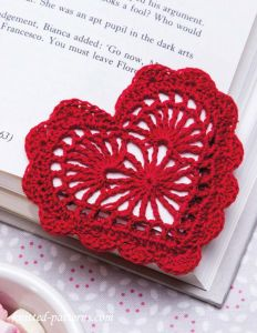 heart-corner-bookmark